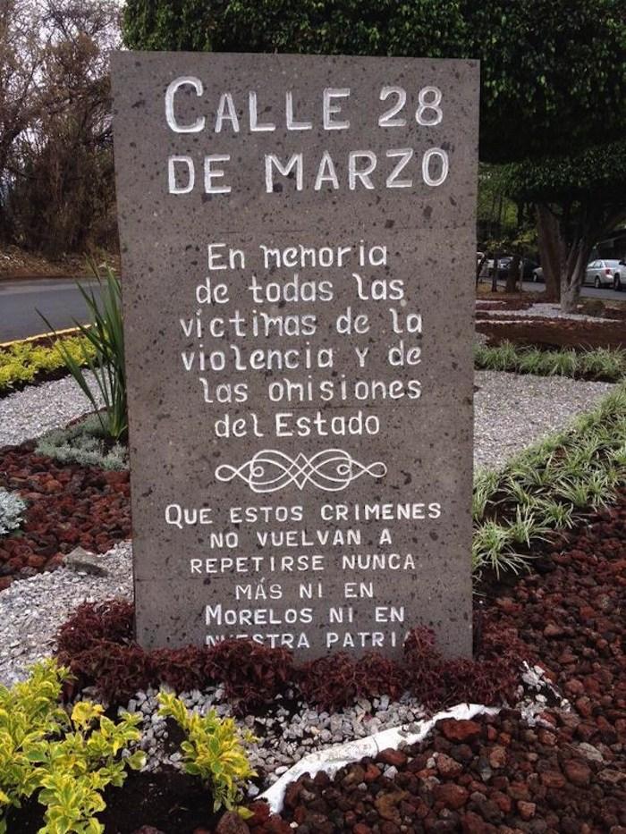 Memorial en la calle 28 de marzo.